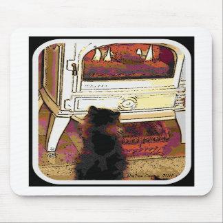 Fuego que mira el gatito tapete de ratón