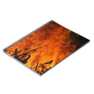 Fuego que rabia libro de apuntes con espiral
