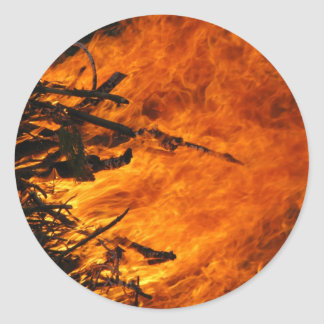 Fuego que rabia pegatinas redondas