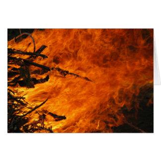 Fuego que rabia tarjeta de felicitación