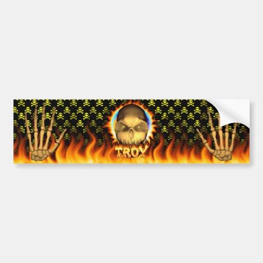 Fuego real del cráneo de Troy y DES de la pegatina Etiqueta De Parachoque