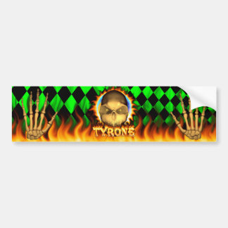 Fuego real del cráneo de Tyrone y pegatina para el Etiqueta De Parachoque
