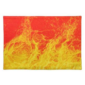 Fuego rojo y amarillo ardiente mantel individual