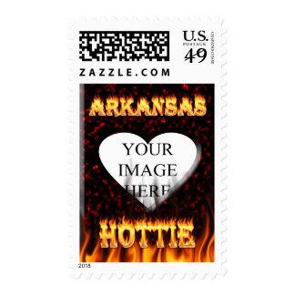 fuego y llamas del hottie de Arkansas Franqueo
