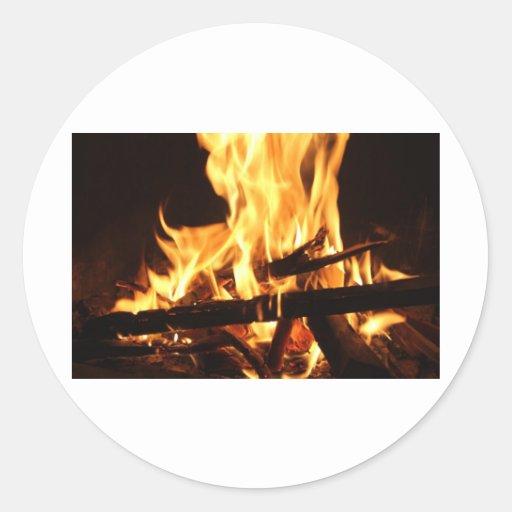 Fuego y llamas pegatina redonda