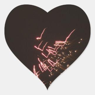 Fuegos artificiales 2 pegatina en forma de corazón