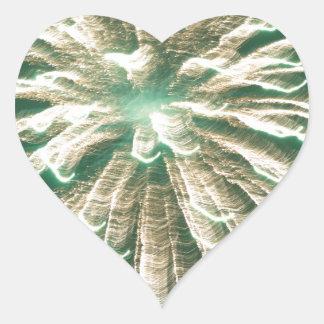 Fuegos artificiales 3 pegatina en forma de corazón