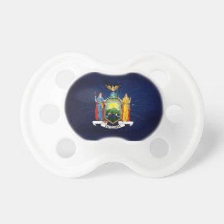 Fuegos artificiales de la bandera de Nueva York Chupetes De Bebé