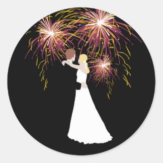 Fuegos artificiales del boda pegatinas redondas