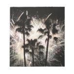 fuegos artificiales en la palma trees.jpg bloc de papel