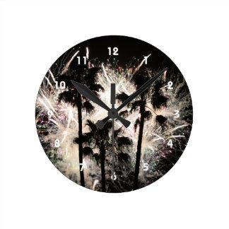 fuegos artificiales en la palma trees.jpg reloj redondo mediano