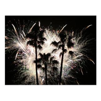 fuegos artificiales en la palma trees.jpg tarjeta postal