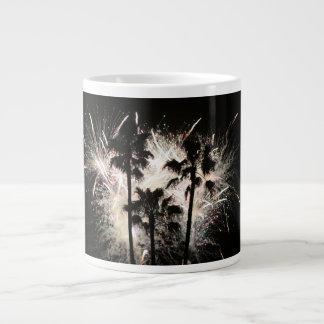 fuegos artificiales en la palma trees.jpg taza de café gigante