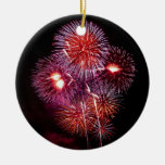 Fuegos artificiales patrióticos de los regalos del adorno navideño redondo de cerámica