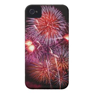 Fuegos artificiales patrióticos de los regalos del Case-Mate iPhone 4 fundas