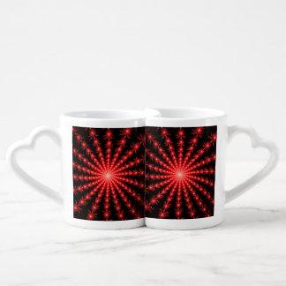 Fuegos artificiales rojos - diseño del fractal taza para parejas
