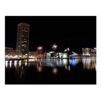 Fuegos artificiales sobre Baltimore céntrica Postal