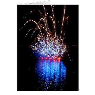 Fuegos artificiales sobre el lago felicitación