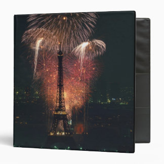 Fuegos artificiales, torre Eiffel, París, Francia