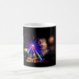 Fuegos artificiales y taza de las norias