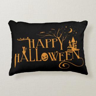 Fuente adornada fantasmagórica del feliz Halloween Cojín