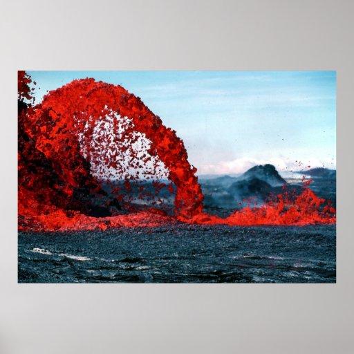 Fuente de arqueamiento de la lava del volcán de Pa Posters