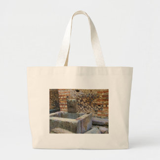Fuente de Hermes, Pompeya Bolsas