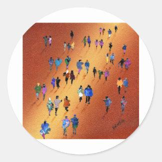 Fuente de la muchedumbre pegatina redonda