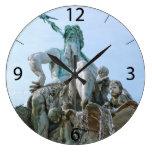 Fuente de Neptuno en Berlín Relojes