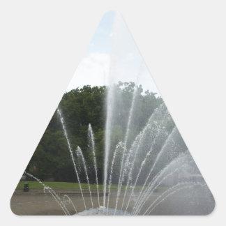 Fuente del centro de la ciencia de Seattle Pegatina Triangular