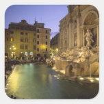 Fuente en la noche, Roma, Lazio, Italia del Trevi Pegatina Cuadrada