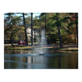 Fuente en la postal del parque