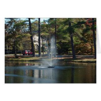 Fuente en la tarjeta de felicitación del parque