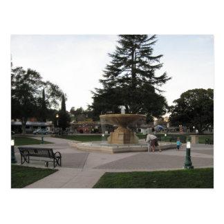 Fuente, jardines hundidos, Atascadero Postal