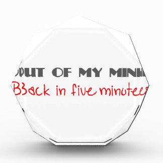 Fuera de mi mente, trasera en 5 minutos