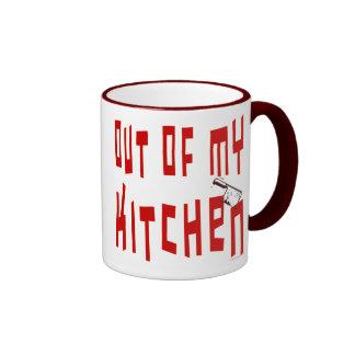 Fuera de mi taza de café divertida del refrán de l