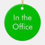 Fuera de oficina/en la muestra de la oficina adorno navideño redondo de cerámica