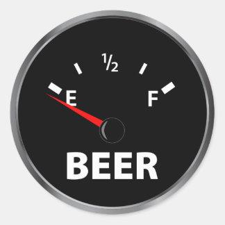 Fuera del indicador de la gasolina de la cerveza pegatinas redondas