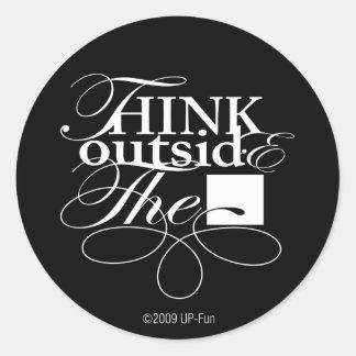 Fuera del logotipo del blanco de la caja etiquetas redondas