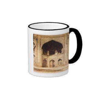 Fuera del Taj Mahal ilustrado probablemente en el Tazas De Café