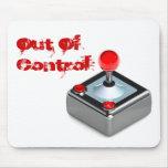 """""""Fuera el juego del control"""" embroma el cojín de r Alfombrillas De Raton"""