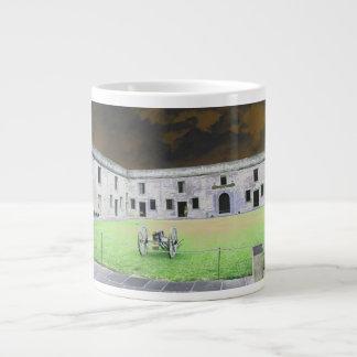 Fuerte de St Augustine que solarized Taza De Café Gigante