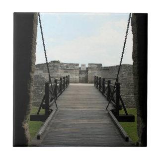 Fuerte en St Augustine que mira de castillo Azulejo