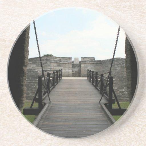 Fuerte en St Augustine que mira de castillo Posavasos Para Bebidas