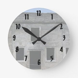 Fuerte Windows de St Augustine Reloj Redondo Mediano