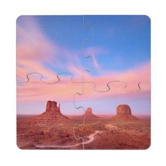 Fuertes vientos sobre el valle del desierto posavasos de puzzle