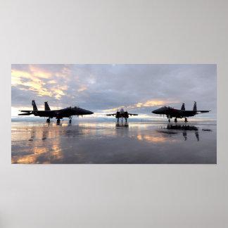 Fuerza aérea de Eagles de la huelga de F-15SG y de Póster