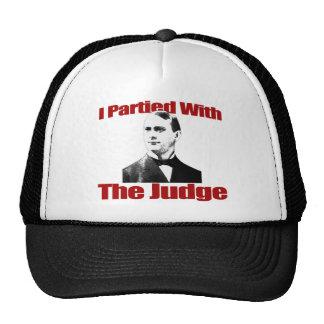 Fui de fiesta con el juez gorras de camionero