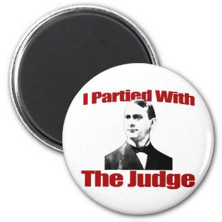 Fui de fiesta con el juez imán para frigorifico