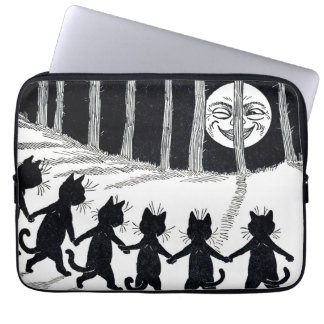 Full moon and Cats, Louis Wain Laptop Computer Sleeve